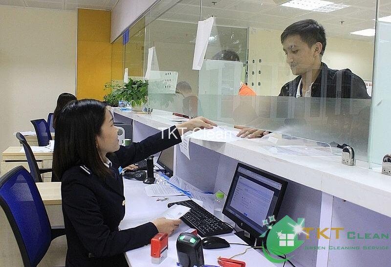 giảm tiếp xúc với khách hàng trực tiếp tại văn phòng