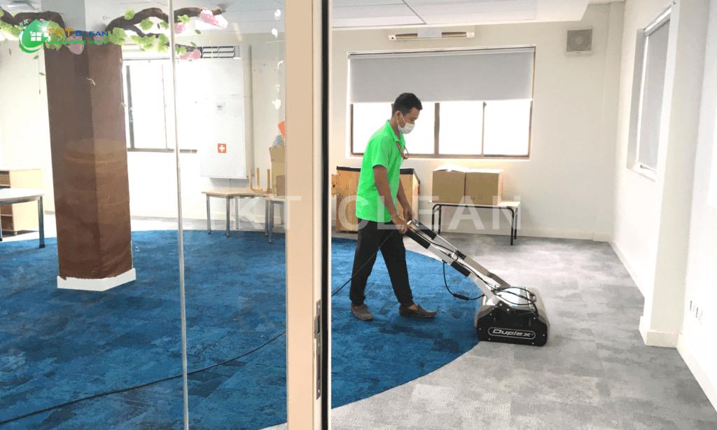 Dịch vụ vệ sinh thảm văn phòng tại Tp.HCM